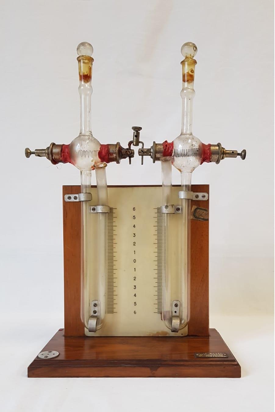 Apparecchio per la legge di Joule sul riscaldamento dei conduttori percorsi dalla corrente