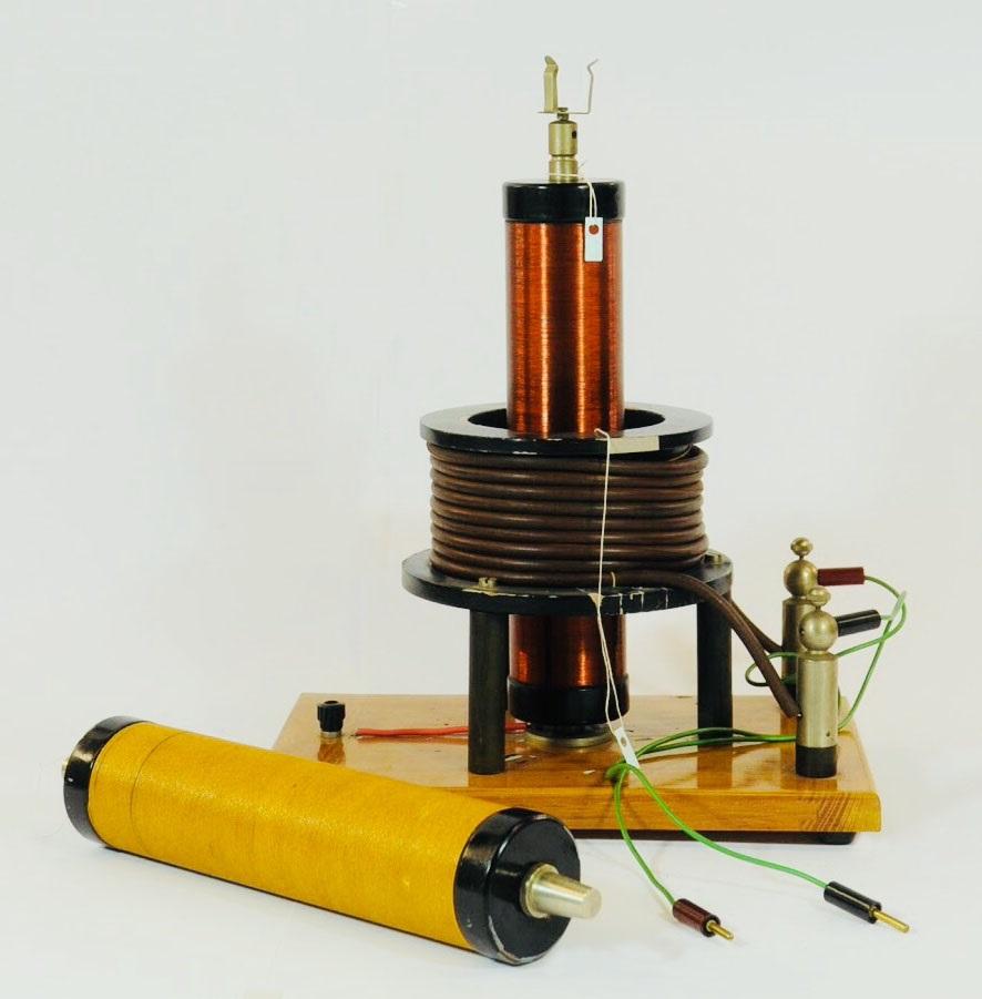 Trasformatore di Tesla per esperienze sull'alta frequenza modificato da Elster-Geitel