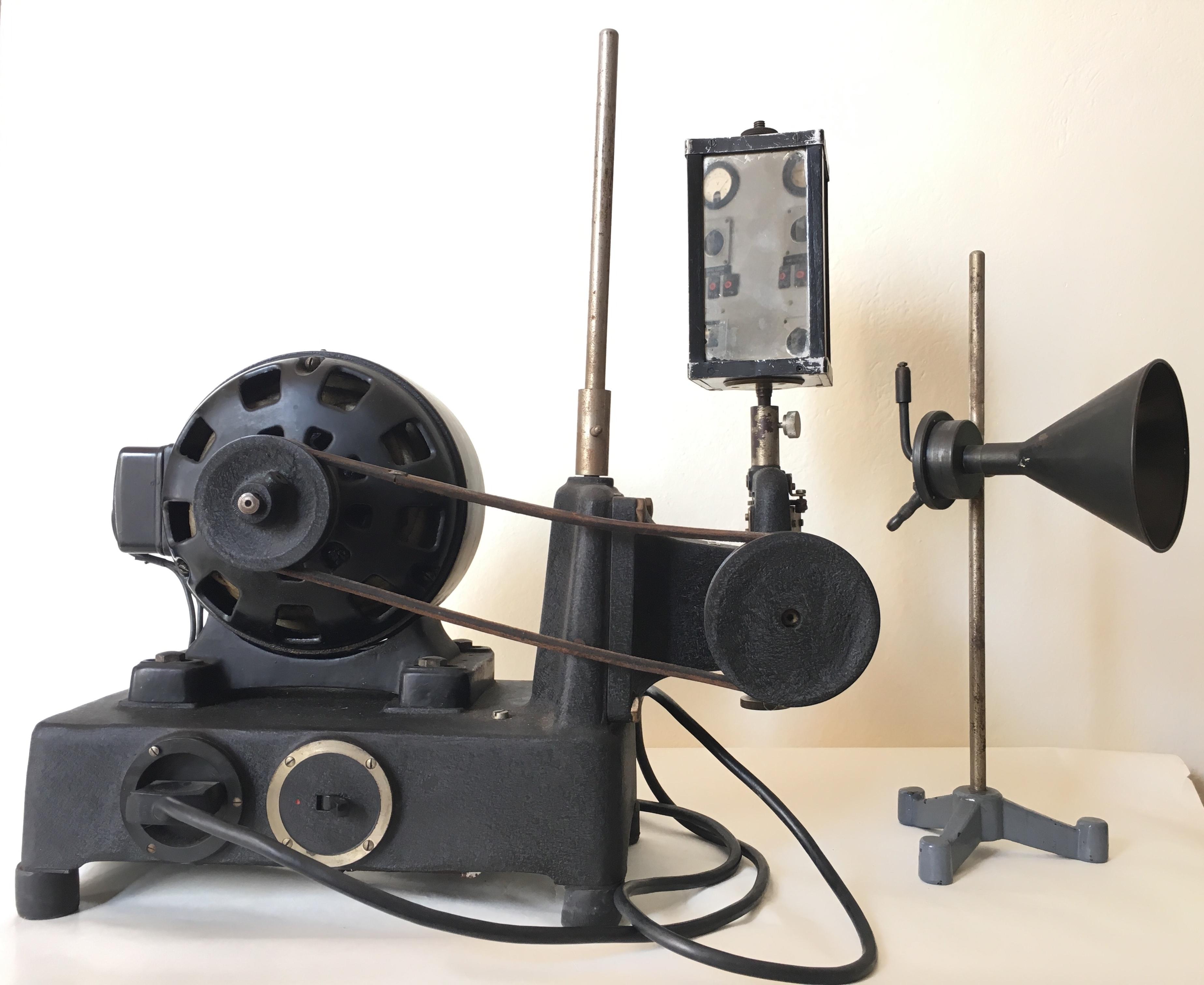 Dispositivo per la fiamma manometrica con specchio rotante