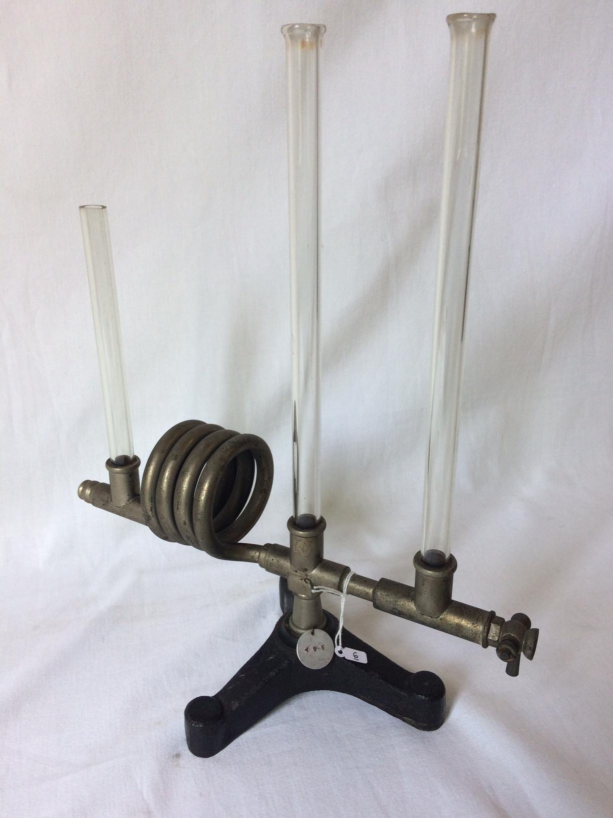 Apparato per lo studio dei vasi comunicanti
