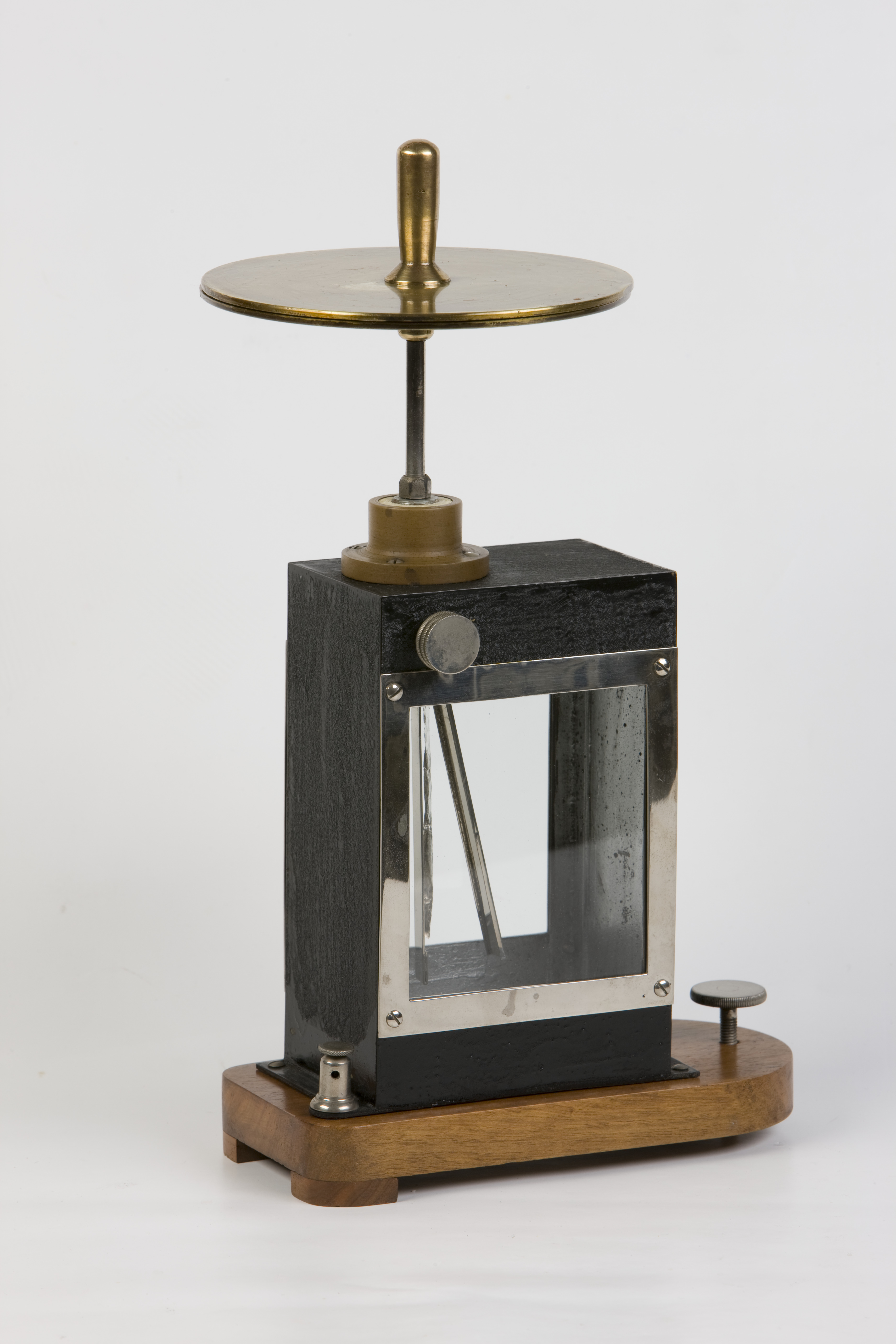 17- Elettroscopio a foglia metallica